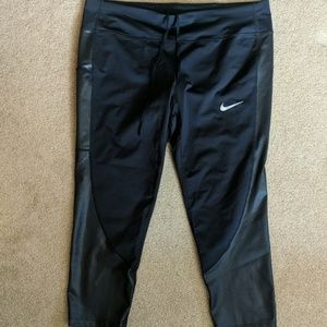 Nike Cropped Running Pants